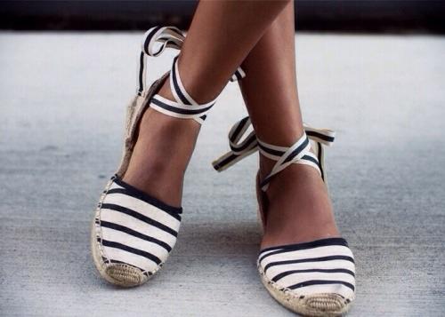 calçados baixos sem perder o estilo e elegância