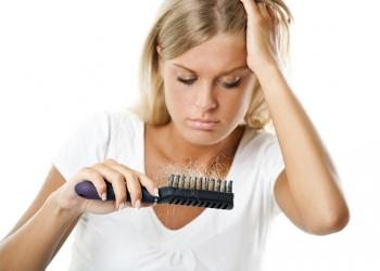 o que faz o cabelo cair