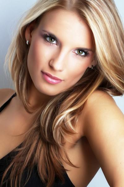 como melhorar a aparência do cabelo danificado por luzes