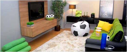 Objetos de time de futebol deixa a decoração brega