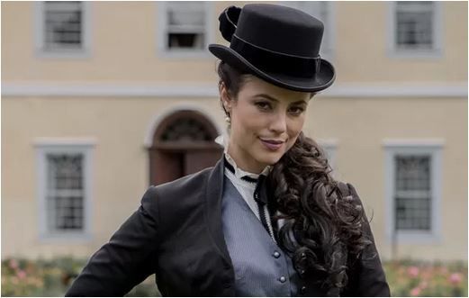 Paolla Oliveira no papel da vilã Melissa