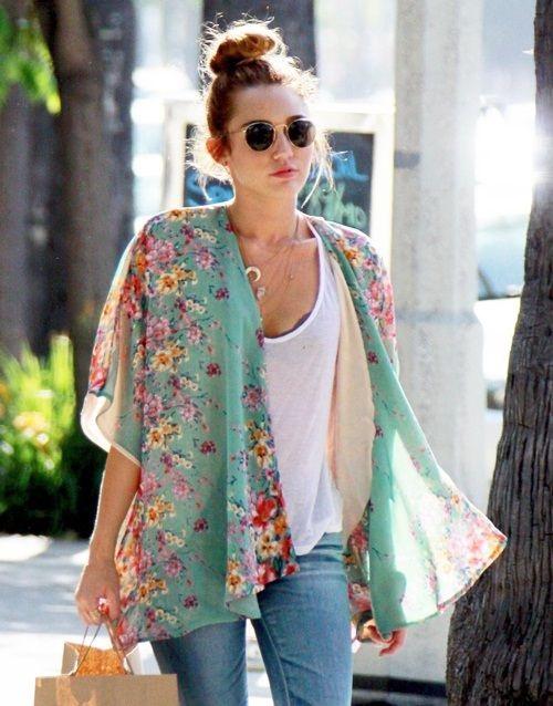 kimono entre os acessórios da moda