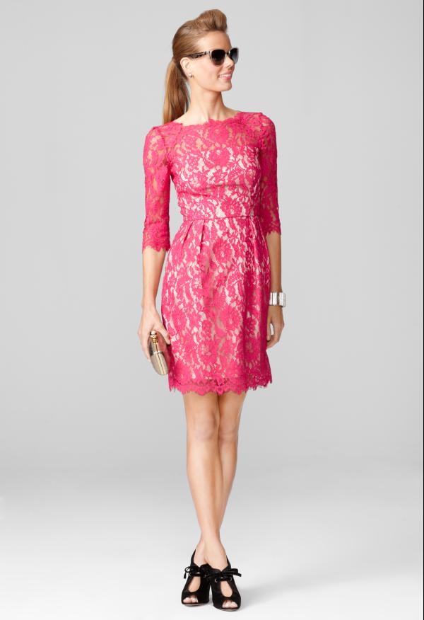 Que sapato usar com vestido rosa de renda
