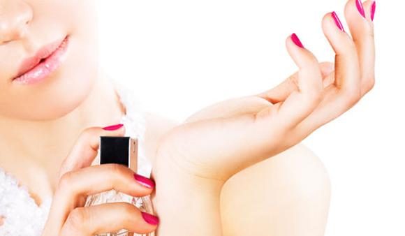 experimentando o perfume