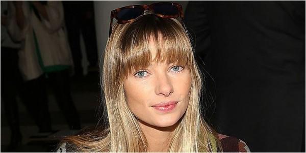 modelo Jessica Hart com franja