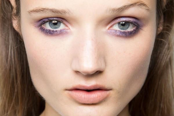 Truques de maquiagem para conseguir olhos de ressaca