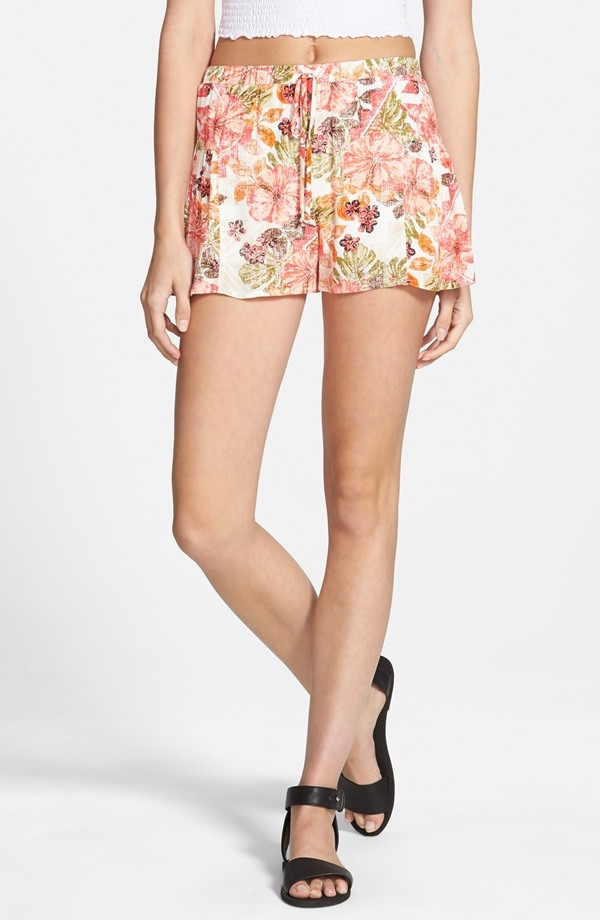 Shorts com estampa floral