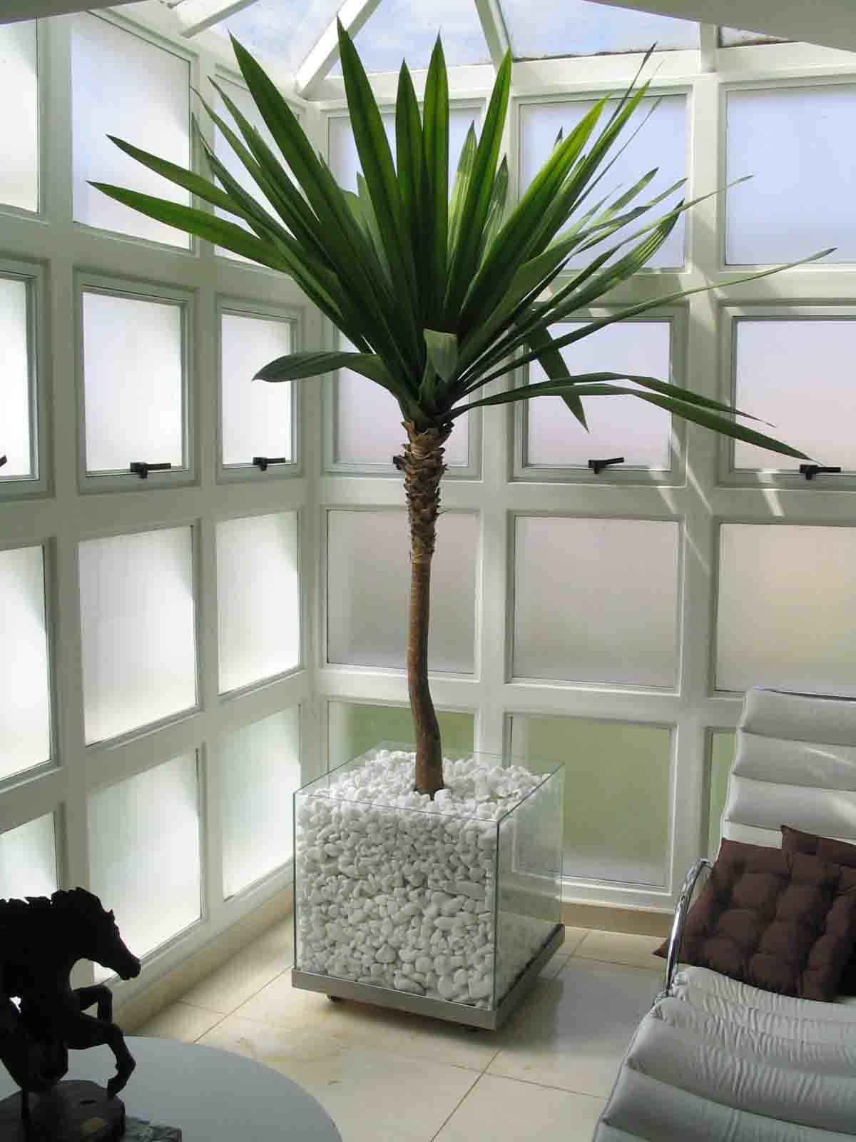 decoração com planta artifical