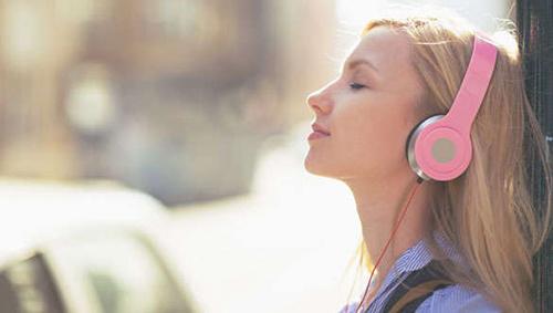 Ouça podcasts estimulantes