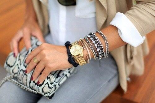 Relógios delicados