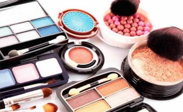 5 razões você para comprar maquiagem importada