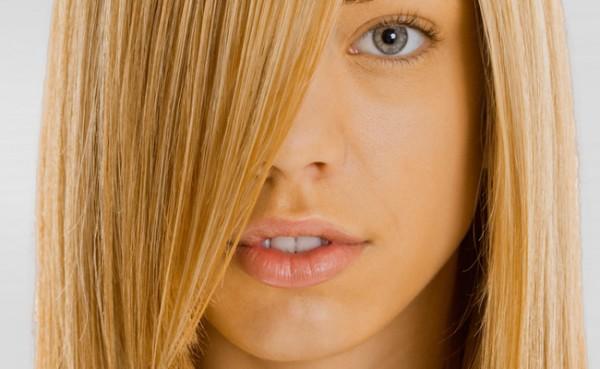 5 dicas para alisar cabelos loiros