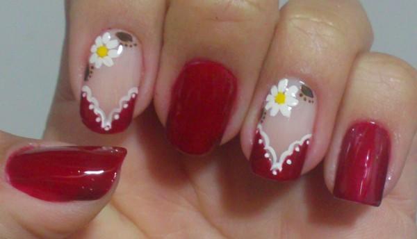 unhas com flores simples