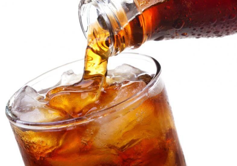 5 razões para parar de beber refrigerante