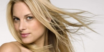 Shampoo para cabelos loiros: roxo ou azul, qual o melhor?
