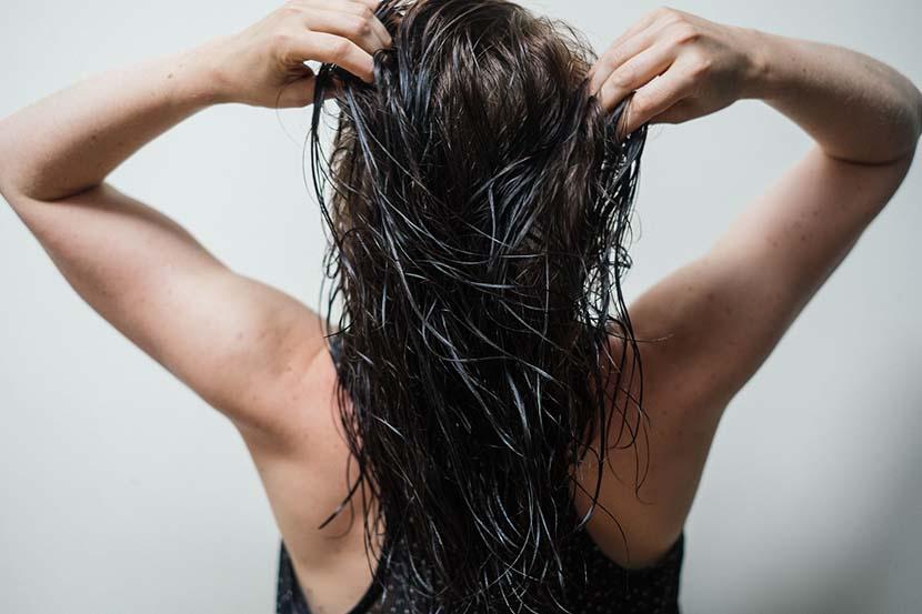 isto é o que acontece quando você para de usar shampoo