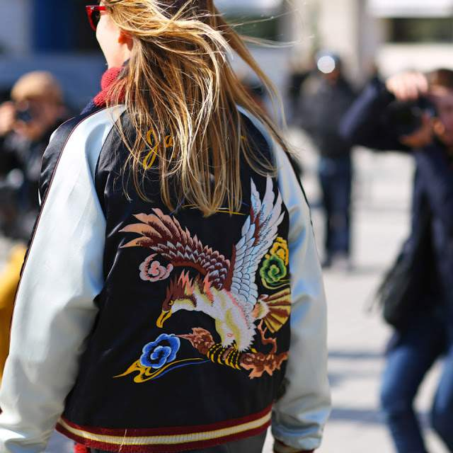 nesse retorno as jaquetas bomber aparecem em diferentes leituras e modelos