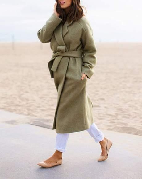 mulher usando calçado baixo