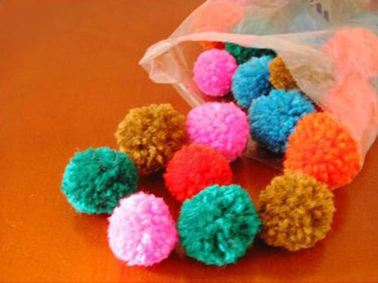 pompom para decoração de unhas
