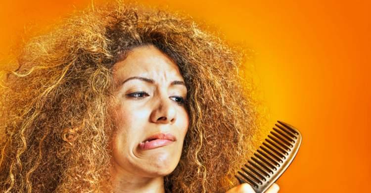 cabelo crespo sem usar leave-in é um grande erro