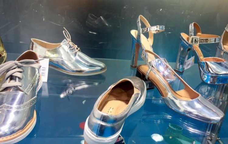 calçados metalizados entre as principais tendências do verão 2017