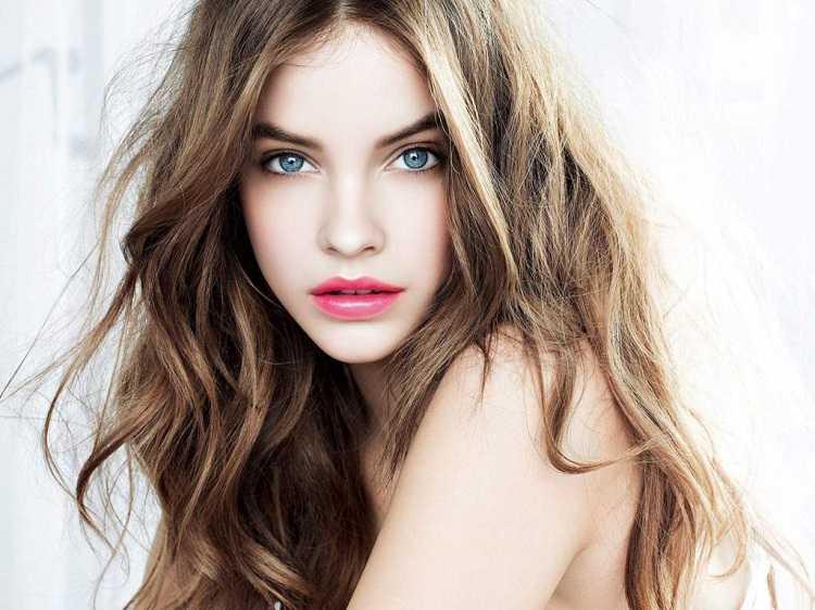 lindo corte ondulado para dar mais volume ao cabelo