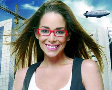 linda maquiagem para mulheres que usam óculos