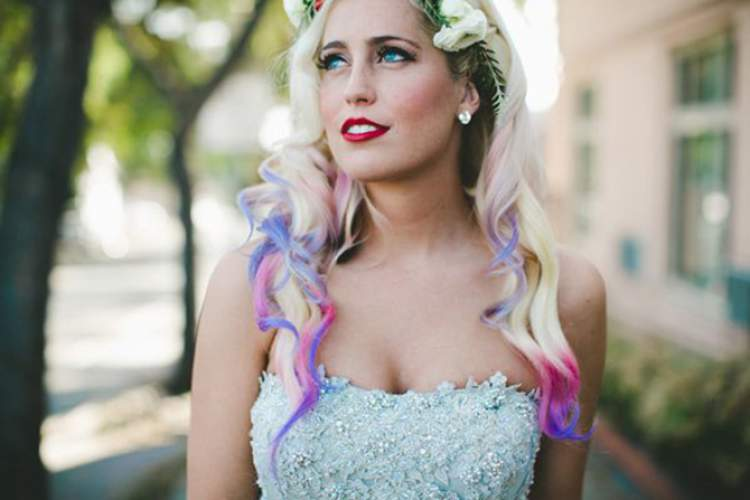 cabelo colorido para noiva