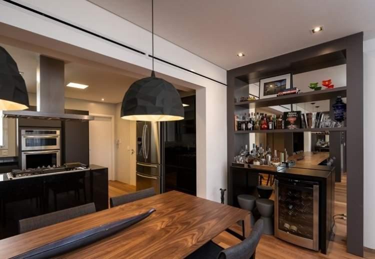 cozinha integrada com sala e bar