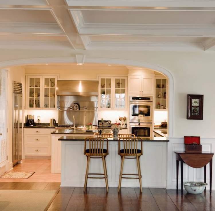 cozinha planejada integrada com sala de estar