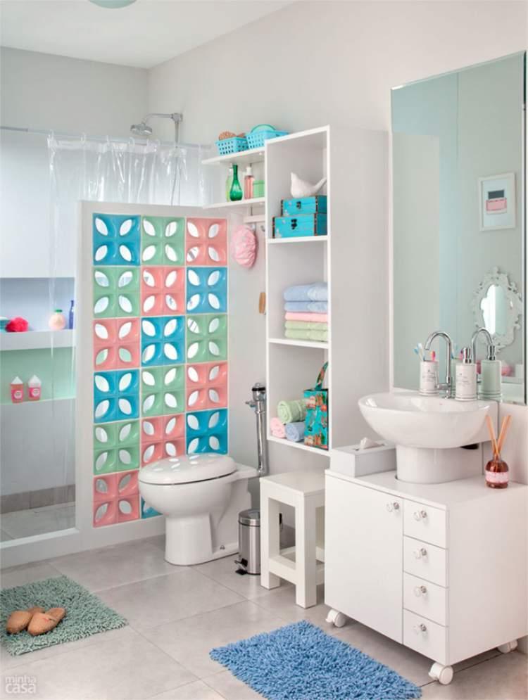 6 Ideias Para Decoração de Banheiros Pequenos para Você se Inspirar  Site de -> Tapete Banheiro Pequeno