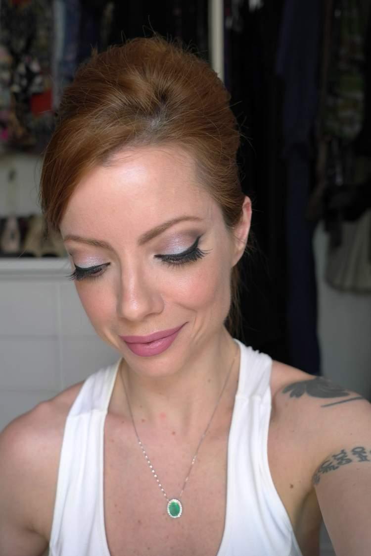 maquiagem com sombra colorida