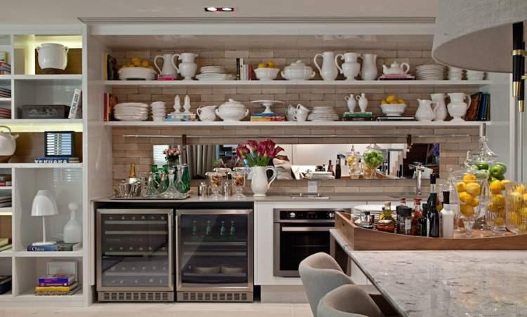 toda cozinha em apenas uma parede