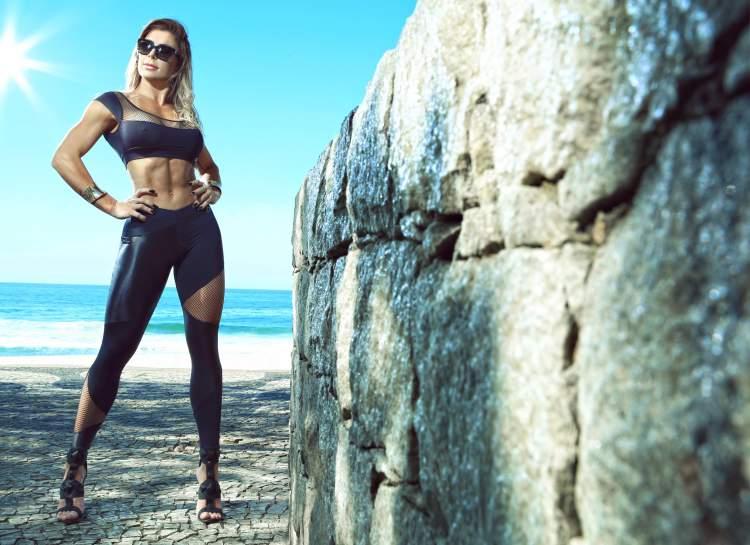 """""""Miss Plástica"""", Luciane Hoepers revela: """"Pessoas desejam minha morte na próxima cirurgia"""""""