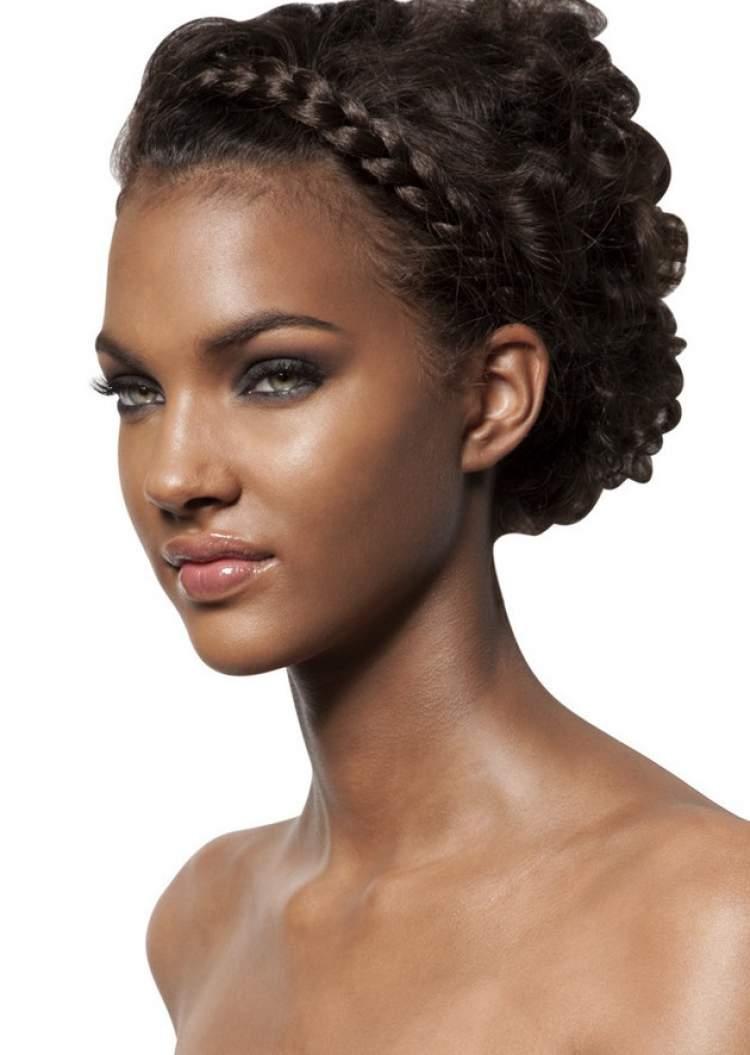 penteado para noiva de cabelo cacheado