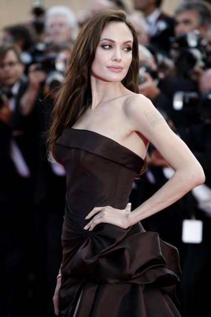 Angelina Jolie emagreceu muito fazendo a bizarra dieta das 600 calorias