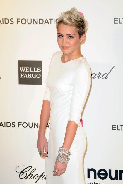 Miley Cyrus emagreceu fazendo a dieta sem glúten