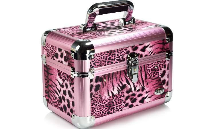 toda mulher merece ter uma maleta de maquiagem