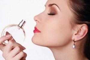 perfumes que toda mulher deve usar pelo menos uma vez