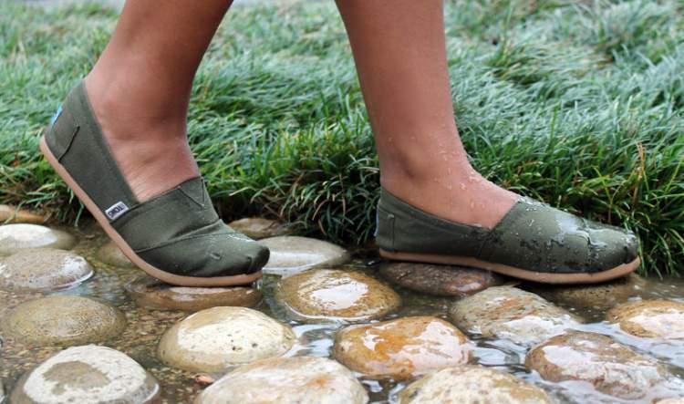 truque para deixar o sapato de tecido a prova d'água