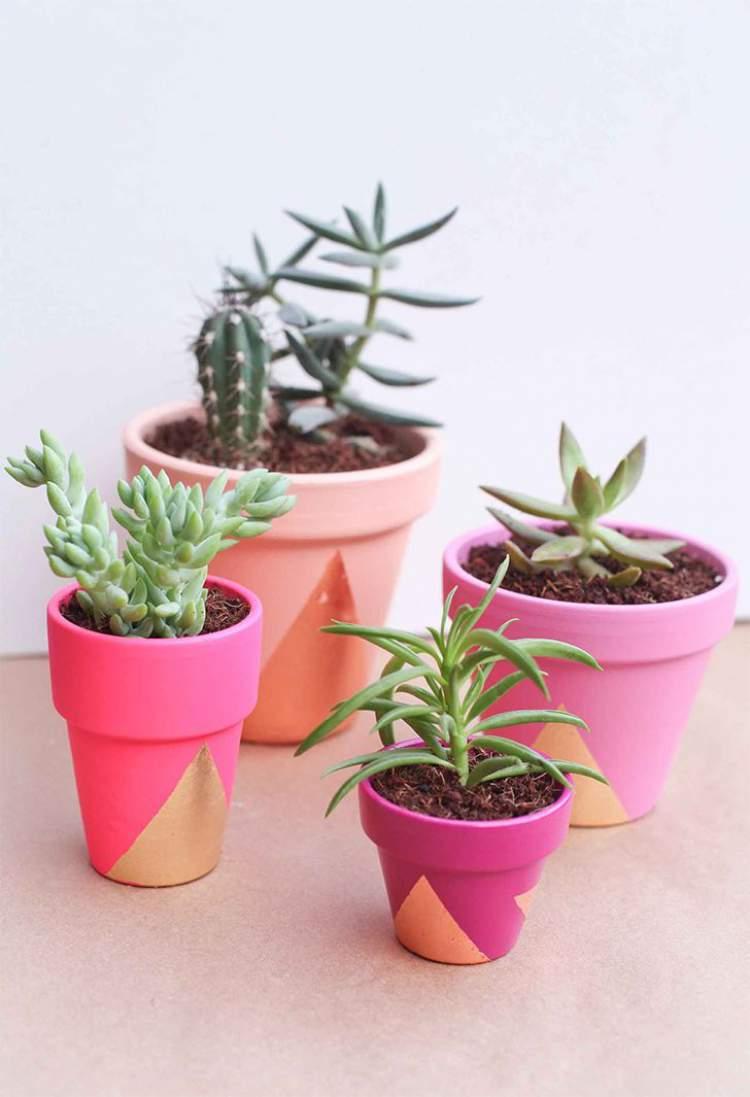 vasos de plantas e flores pintados