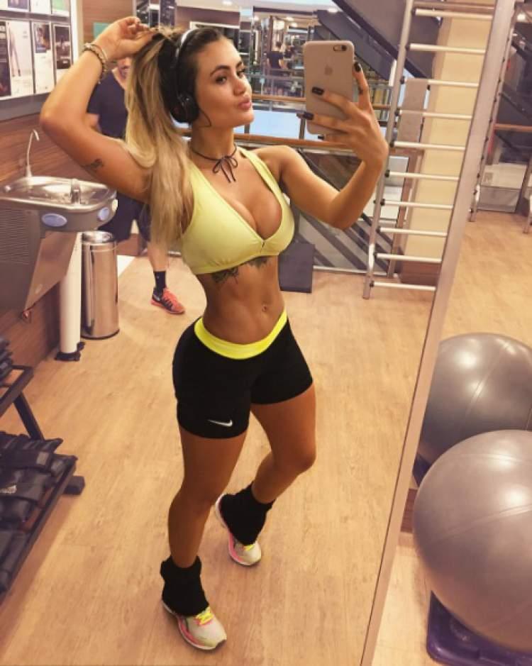 Natacha Horana exibe a boa forma durante o treino