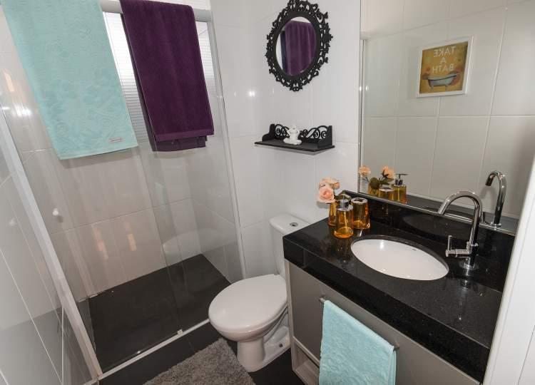 exemplo de banheiro com erro na decoração