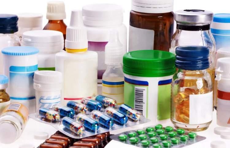 medicamentos no banheiro