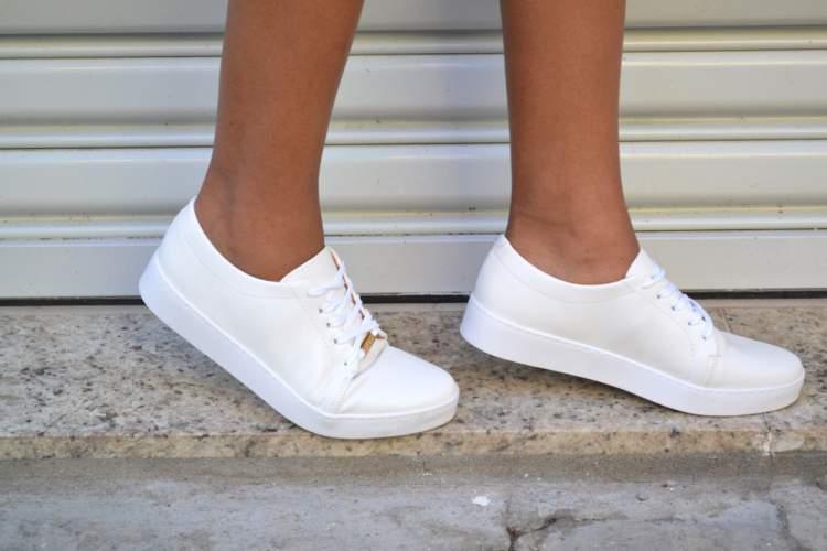 67f6363d375 Tênis Branco. O tênis branco entrou para a lista de sapatos perfeitos ...