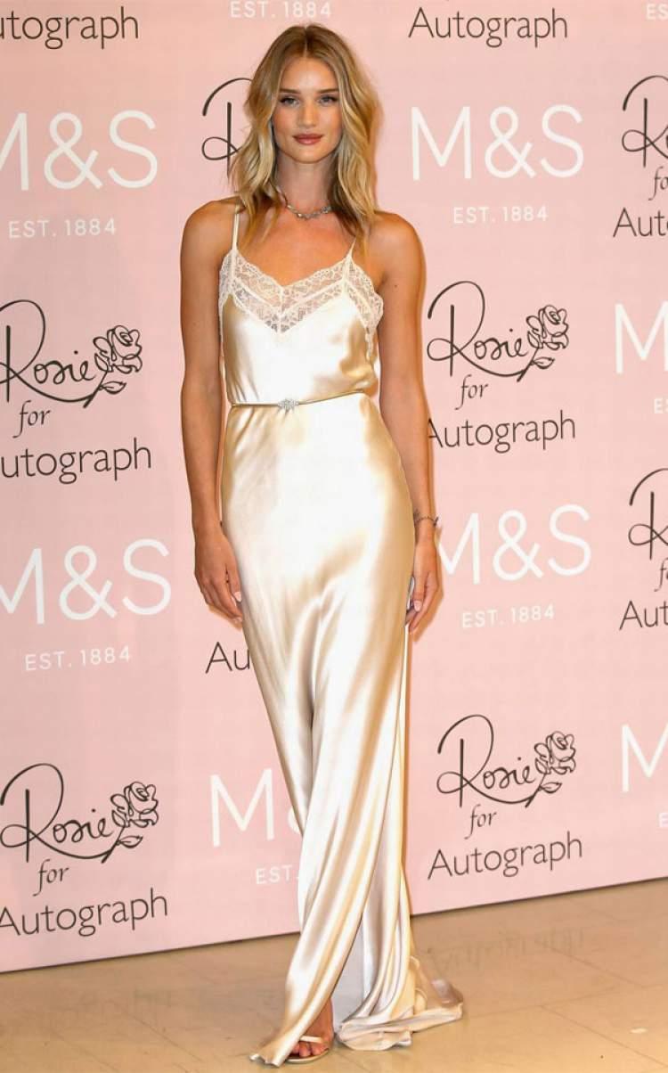 Look fashionista com slip dress