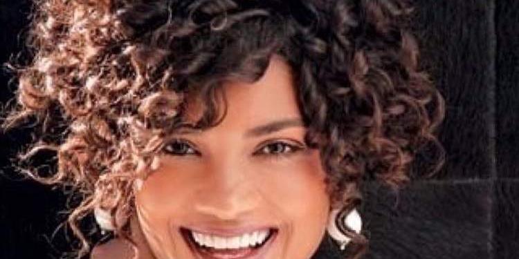16 Penteados fantásticos para cabelos cacheados e curtos
