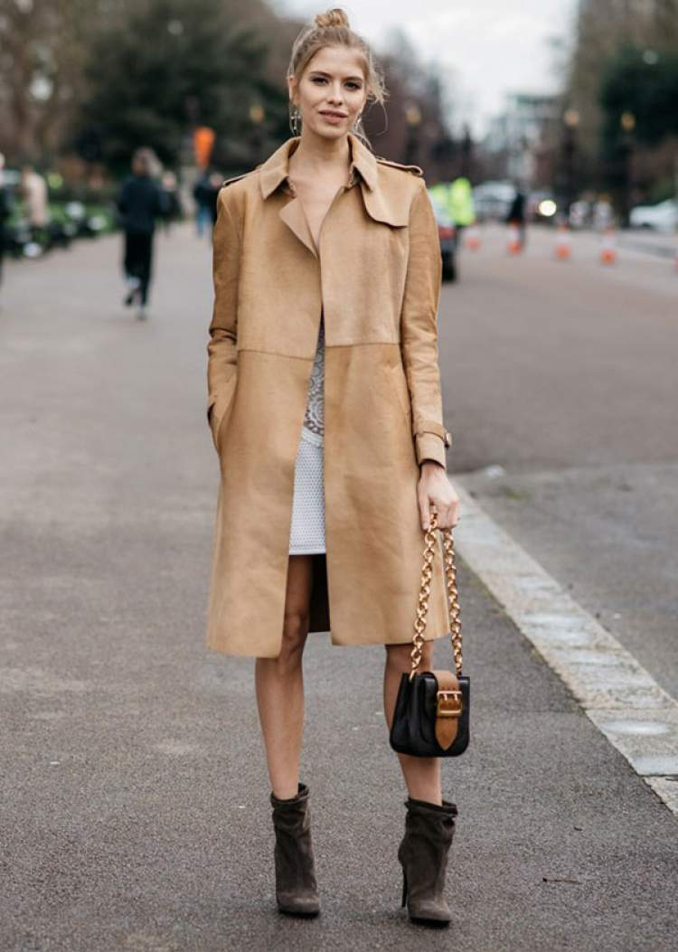 Look com trench-coat