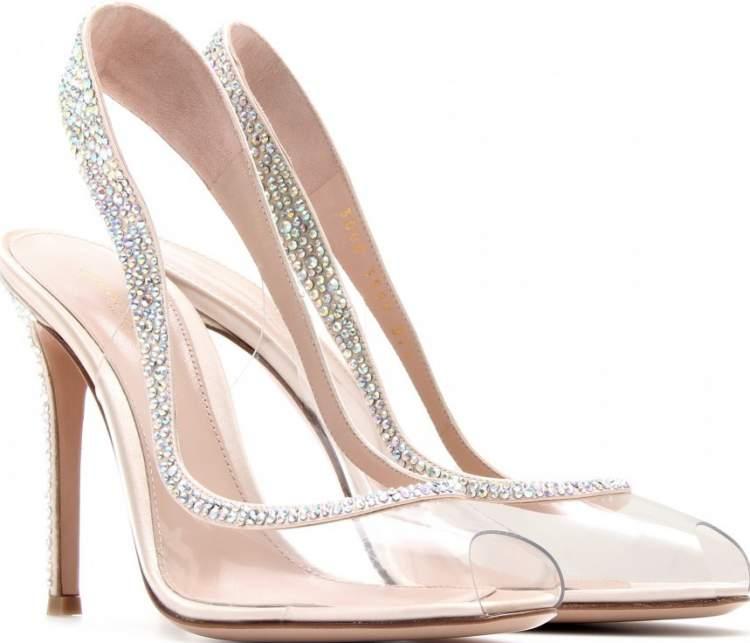 Sapatos Transparentes são tendências da Moda Inverno 2017
