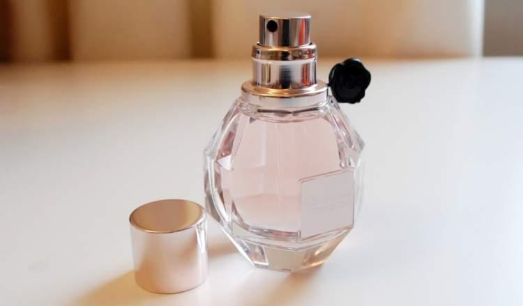Cinéma de Yves Saint Laurent é um dos perfumes que farão você se sentir mais sexy